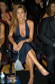 Jennifer Aniston Ben looks like he's about to drool over Jen's cleavage Foto 122 (Дженнифер Анистон Бена выглядит он собирается слюни над расщепления Jen's Фото 122)