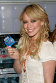 Hilary Duff Hillary promoting Ice Breakers Foto 17 (Хилари Дафф Хиллари содействия Ice Breakers Фото 17)