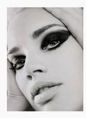 Rianne Ten Haken Gloss no.10, ph. Simon Emmet Foto 44 (Райан Тэн Хакен Gloss № 10, тел.  Фото 44)