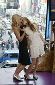 Olsen Twins upskirts Photo 13 (Олсен Твинс  Фото 13)